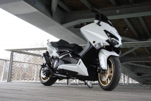 la d couverte du scooter t max 530 assurance scooter 50cc. Black Bedroom Furniture Sets. Home Design Ideas